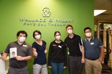 En respuesta a la pandemia en curso y a la falta de PPE, el 16 de noviembre, la Independence Blue Cross anunció que distribuiría 500.000 máscaras sin costo alguno a los trabajadores de la salud en Filadelfia.