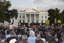 Protests at the White house following the right-wing demonstrations in Charlottesville, August 2017. Photo: EFE.